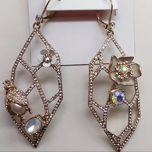 Betsey Johnson New White Flower Earrings